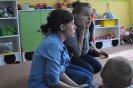 Studentki Szkoły Teatralnej z Krakowa czytają dzieciom